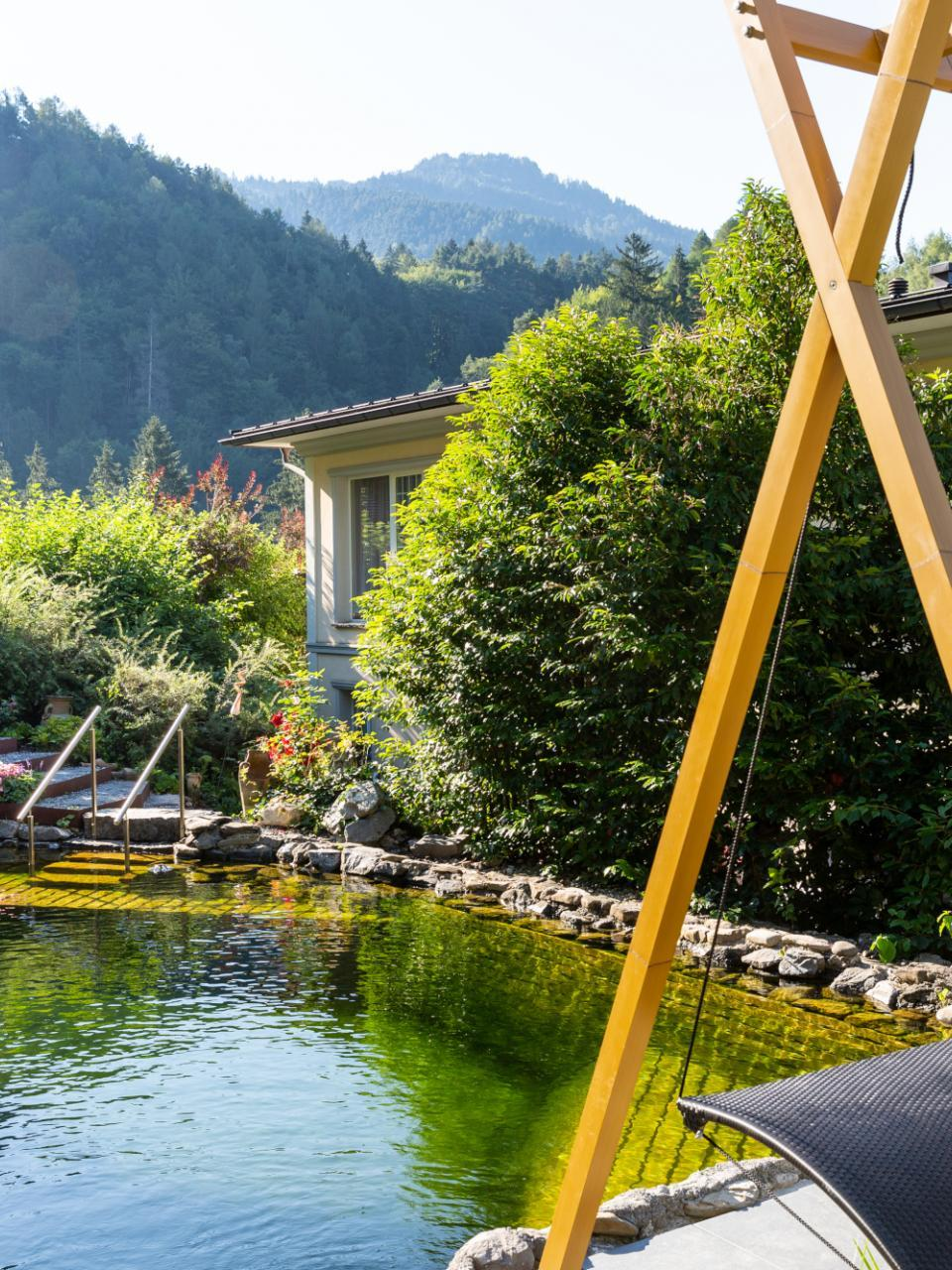 Private Spa Naturteich im Boutiquehotel Bergvilla in Dafins